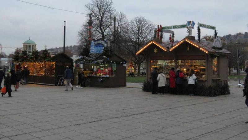Adventszauber - Stuttgart - Verkaufsstände