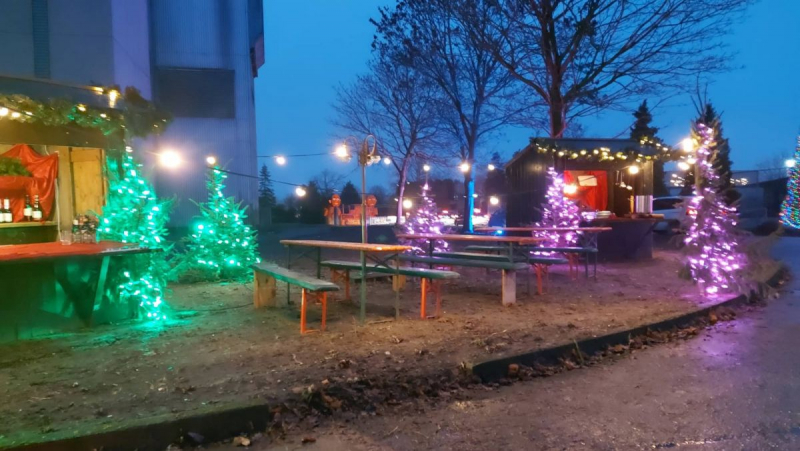 Weihnachts-Drive-in Kalkar - Illuminierte Stände